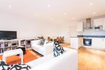 Flat for sale in Cholmeley Park, Highgate...