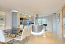 4 bedroom Flat for sale in Shepherds Hill, Highgate...