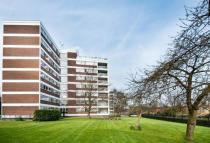 Flat for sale in Sheldon Avenue, Kenwood...