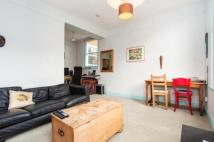 2 bedroom Flat in Queen's Crescent...