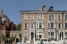 3 bed Flat for sale in Lauderdale Road...