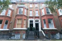 2 bedroom Flat for sale in Castellain Road...