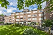 2 bed Flat for sale in Avenue Road...
