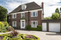 6 bed Detached property in South Square...