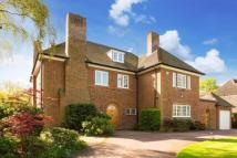5 bedroom Detached property in Neville Drive...