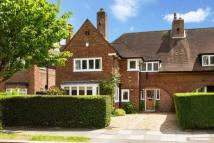 semi detached house in Meadway...