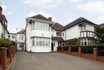5 bedroom semi detached property in Gresham Gardens...