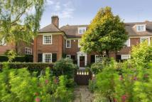 5 bedroom semi detached house for sale in Heathgate...