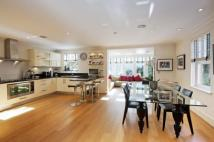 6 bedroom Town House for sale in Mountview Close...