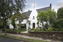 6 bed Detached property for sale in Neville Drive...