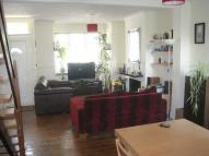 2 bedroom property to rent in Macdonald Road...
