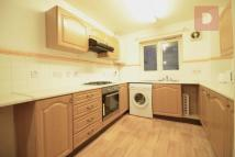Town House to rent in Buxhall Crescent...