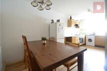 4 bedroom Town House to rent in Eastway, Hackney Wick...