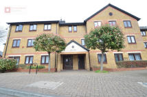 Flat for sale in Riverside Close...