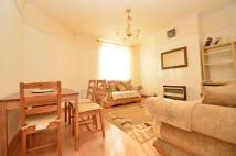 3 bedroom Flat to rent in  Pembury Close...