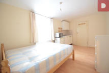 Studio flat to rent in Homerton, Hackney...