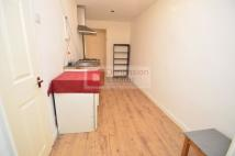 Studio apartment in Westgate Street...