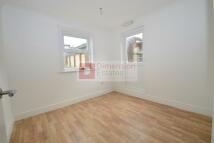 Studio flat in Hoe Street...