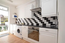 1 bedroom Flat to rent in Hoe Street...