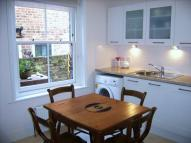 Ground Flat to rent in Framfield Road...