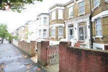 1 bedroom Flat in Mildenhall Road...