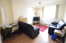 2 bed Ground Flat in Homerton High Street...