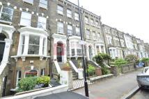 Maisonette to rent in Queensdown Road...