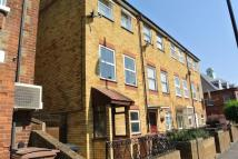 Town House to rent in NORTHWOLD ROAD...
