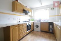 4 bed Town House in Buxhall Crescent...