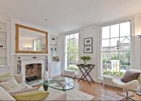 3 bed Terraced property in Batchelor Street, London...