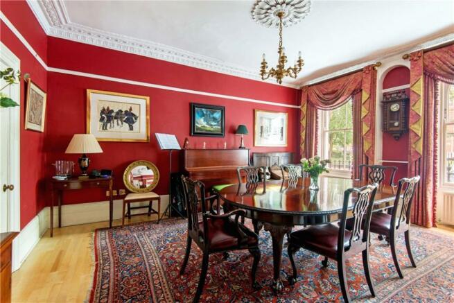 Ec1 : Dining Room
