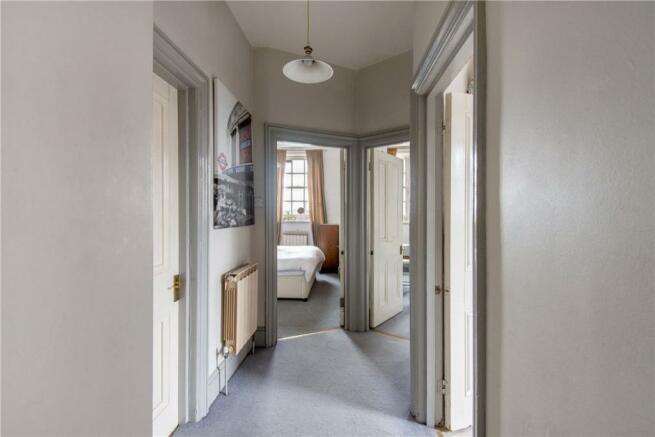 Islington : Hallway