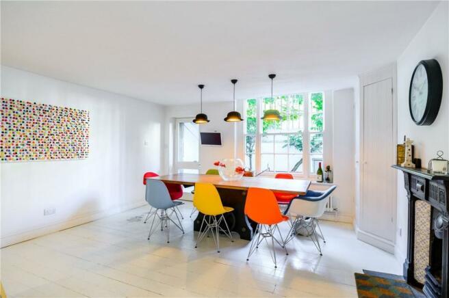N1 : Dining Room