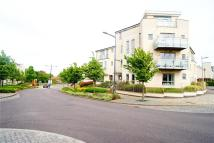 Flat to rent in Springhead Parkway...