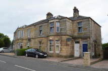 3 bed Flat in 72 Stevenston Road...
