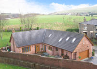 5 bed Detached home for sale in The Brambles...
