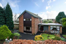 4 bedroom Detached house in 1 Thorncliffe Park...