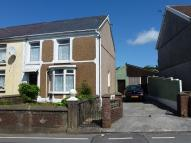 property to rent in 105 Llandeilo Road, Upper Brynamman, Ammanford, Carmarthenshire. SA18 1BE