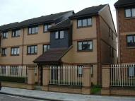 Flat to rent in Pelham Road, Wimbledon...
