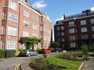 4 bed Flat in Ross Court, Putney Hill...