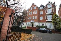 2 bed Flat to rent in Holly Lodge...
