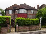 4 bedroom Detached property to rent in Bodley Road, New Malden...