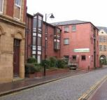 Flat to rent in High Street, Hull, HU1
