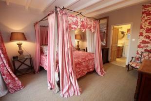 Independent bedroom