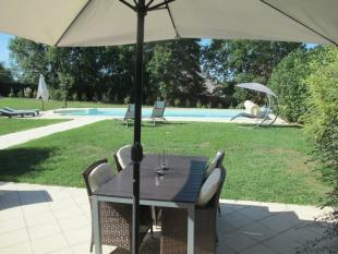 5,000 m2 lawn and