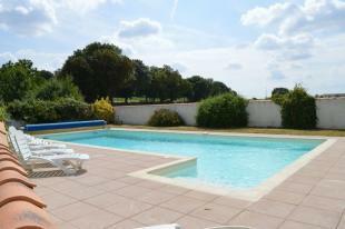 Main house - Pool