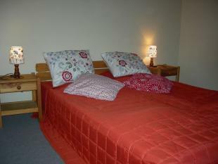Bedroom 2 - 6/8 gite