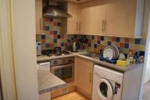 2 bedroom Flat to rent in Askew Rd, Shepherds Bush...