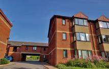 2 bed Flat in Park Court, West End...