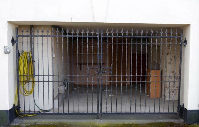 Large Garage/Storage area